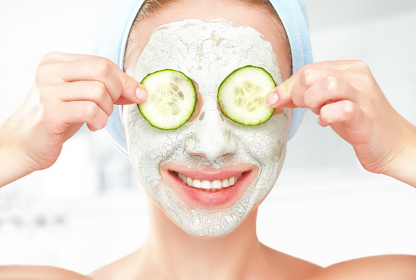 Coconut oil mask for acne